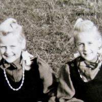 Jünger und älter Nr. 15 - Heide und Helga